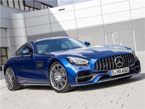 Mercedes-Benz AMG GT 2020 вид спереди