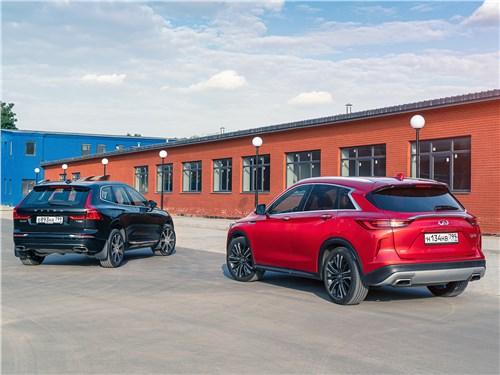 Infiniti QX50 2019 и Volvo XC60 2018 вид сзади