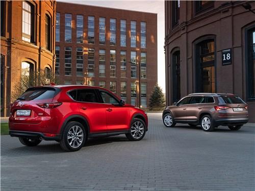 Mazda CX-5 2017 и Skoda Kodiaq 2017 вид сзади