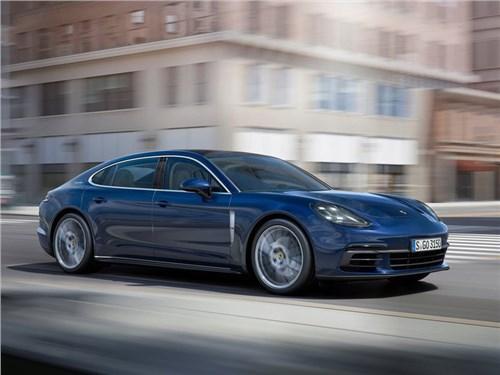 Новость про Porsche Panamera - Porsche представила две новые модификации хэтчбека Panamera