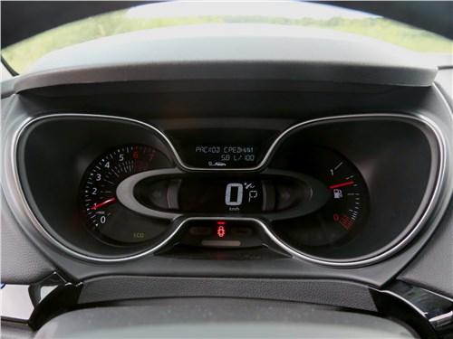 Renault Kaptur 2020 приборная панель