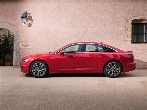 Audi A6 2019 вид сбоку