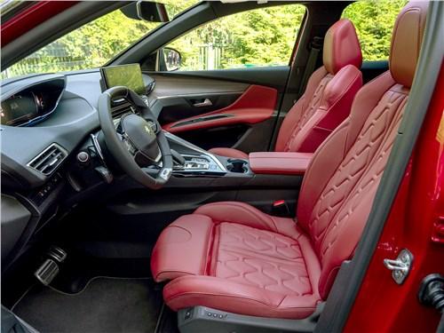 Peugeot 3008 (2021) передние кресла