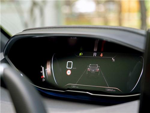 Peugeot 3008 (2021) приборная панель