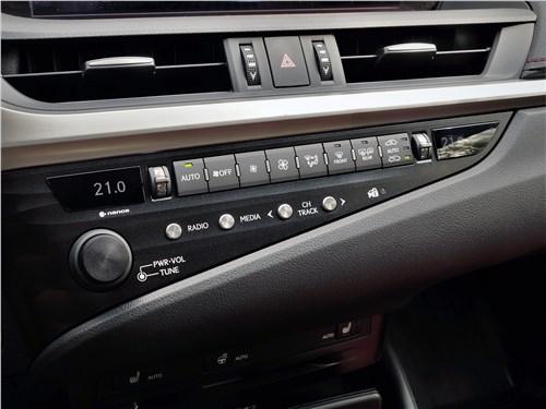 Lexus ES (2019) дизайн
