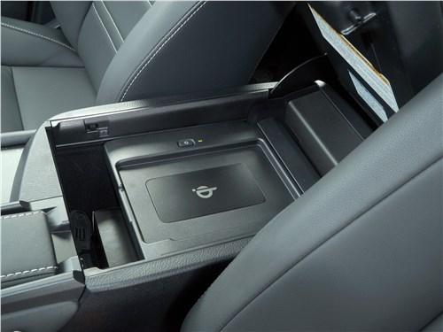 Lexus NX 2018 центральный туннель
