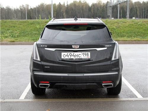 Cadillac XT5 2020 вид сзади