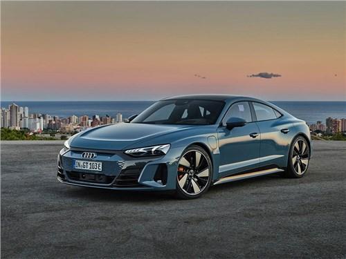 В Audi представили свое видение Porsche Taycan