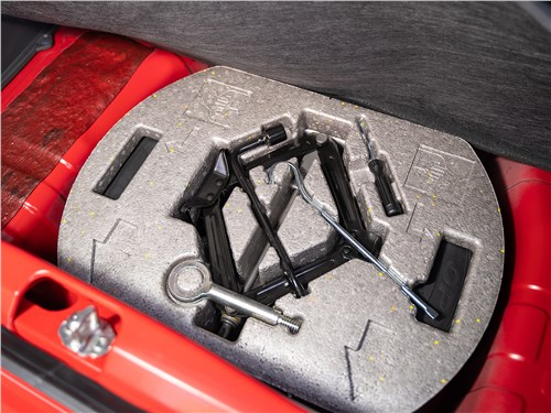 Chevrolet Spark (2010) багажное отделение