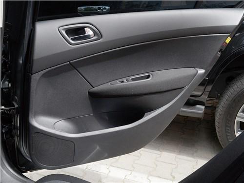 Peugeot 408 2012 задняя дверь