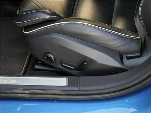 Volvo S90 2019 передние кресла