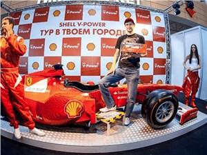 В Россию привезли копию болида Ferrari, собранного из Lego в натуральную величину