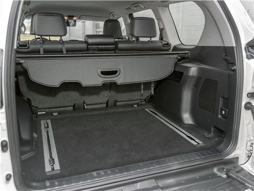 Toyota Land Cruiser Prado (2017) багажное отделение