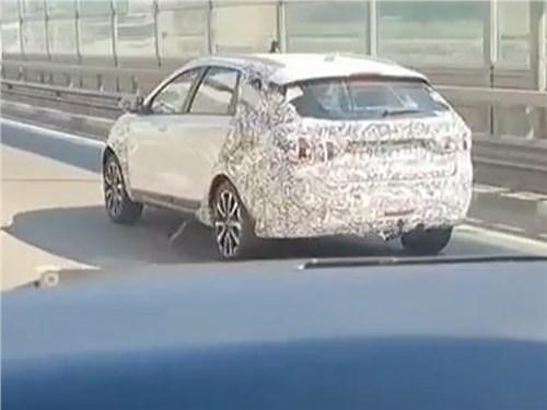 Новость про Lada Vesta - В Сочи обнаружили обновленную Lada Vesta