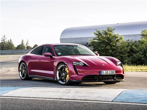 Porsche Taycan обновился
