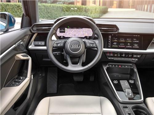 Audi A3 (2021) салон