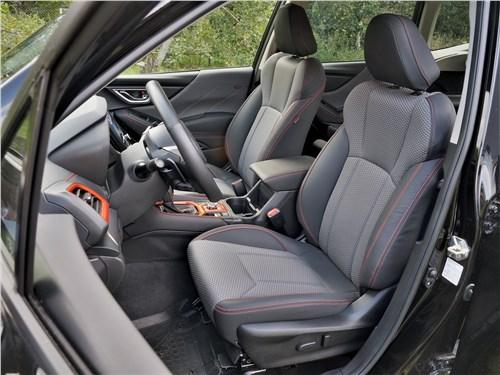 Subaru Forester Sport (2019) передние кресла