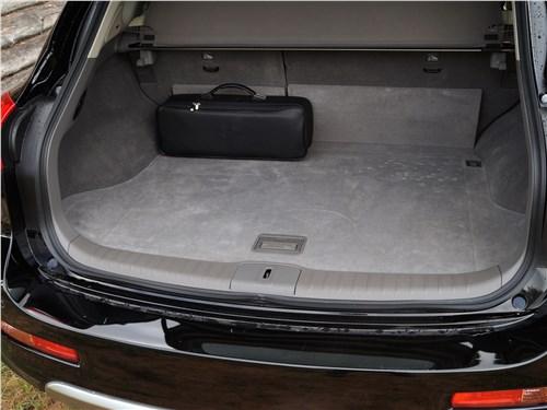 Infiniti QX50 2016 багажное отделение