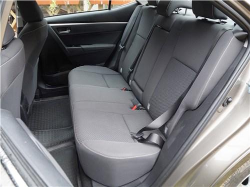 Toyota Corolla 2017 задний диван