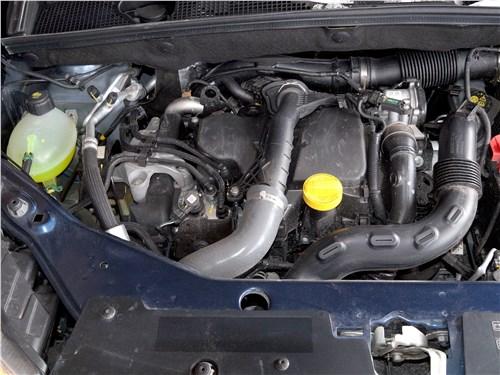 Renault Dokker 2018 моторный отсек