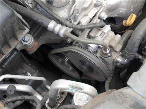 Предпросмотр ravon r4 2016 моторный отсек