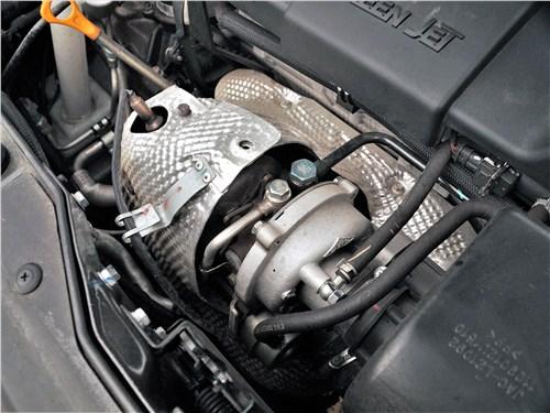 JAC S5 2014 моторный отсек