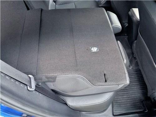 Toyota C-HR 2020 задний диван