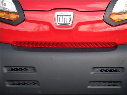 Bajaj Qute 2016 передний бампер
