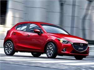 Mazda опубликовала первые тизеры нового поколения Mazda2