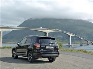 В Норвегии множество мостов, тоннелей и паромных переправ