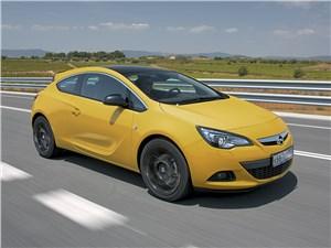 Opel Astra GTC 2014 вид спереди сбоку