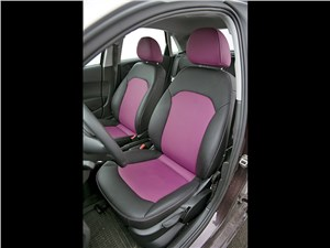 Audi A1 2011 передние кресла