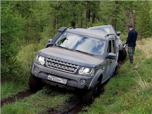 Land Rover Discovery 2014 вид спереди