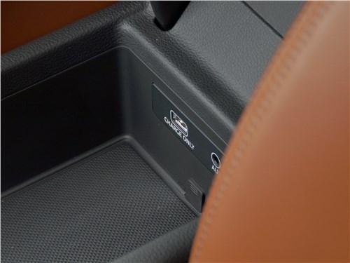 Audi A4 allroad quattro 2016 Центральный бокс-подлокотник
