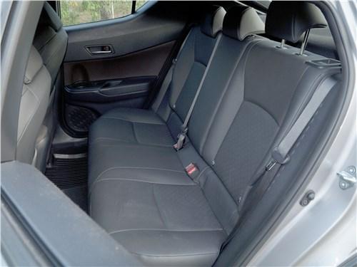Toyota C-HR 2016 задний диван