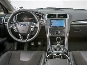 Ford Modeo 2013 водительское место