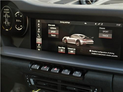 Porsche 911 GT3 (2021) часть центрального экрана мультимедиасистемы
