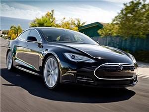 Tesla Model S оказался самым востребованным электрокаром в России