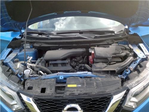 Nissan Qashqai 2018 моторный отсек