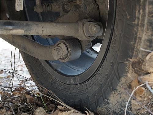 Предпросмотр jeep renegade 2014 заднее колесо