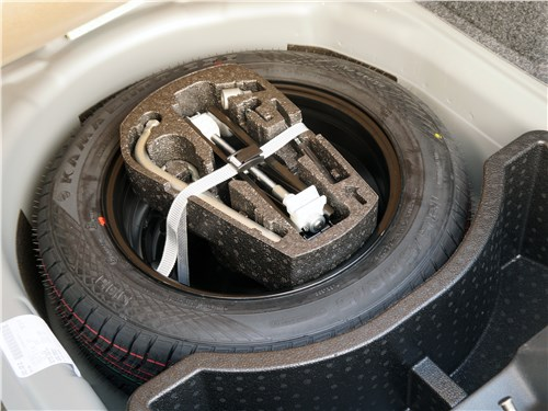 Volkswagen Polo GT 2016 запасное колесо
