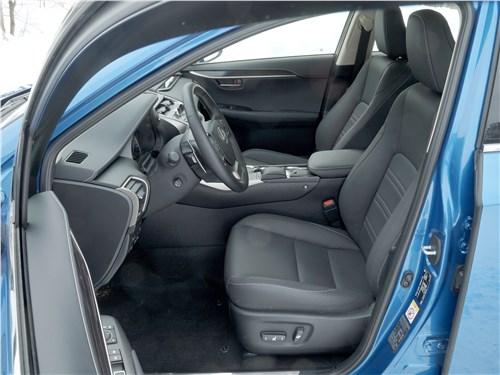Lexus NX 2018 передние кресла