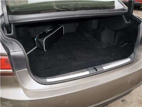 Lexus LS 500 2018 багажное отделение