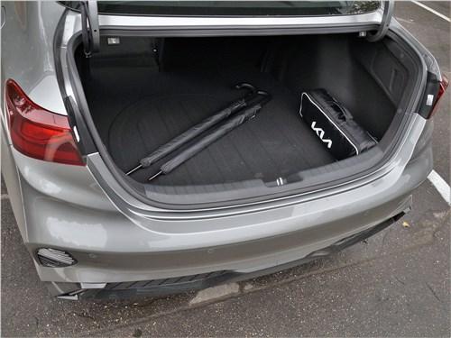 Предпросмотр kia cerato (2022) багажное отделение
