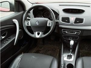 Renault Megane 2010 водительское место