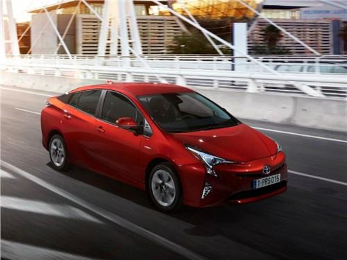 Гибридный Toyota Prius возвращается на российский рынок