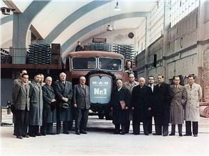 Первым грузовиком, сошедшим с производственной линии завода в Мюнхене в 1955 году стал MAN 515 L1