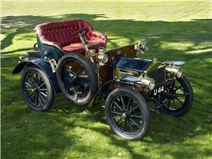 Этот небольшой двухместный автомобиль – один из первенцев знаменитой марки Rolls-Royce