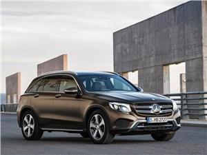 Mercedes-Benz GLC 2016 вид спереди сбоку