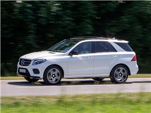 Mercedes-Benz GLE 2016 вид сбоку